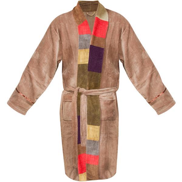 Doctor Who cosplay: bathrobe style