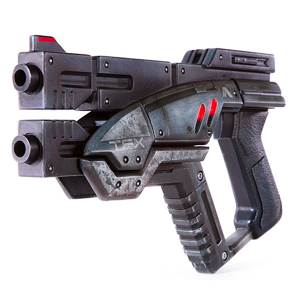 Exclusive Mass Effect 3 M-3 Predator full size replica
