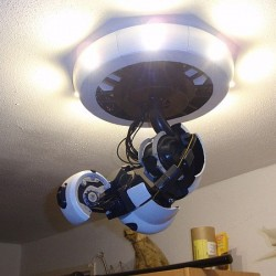 GlaDOS ceiling lamp – in your very own home