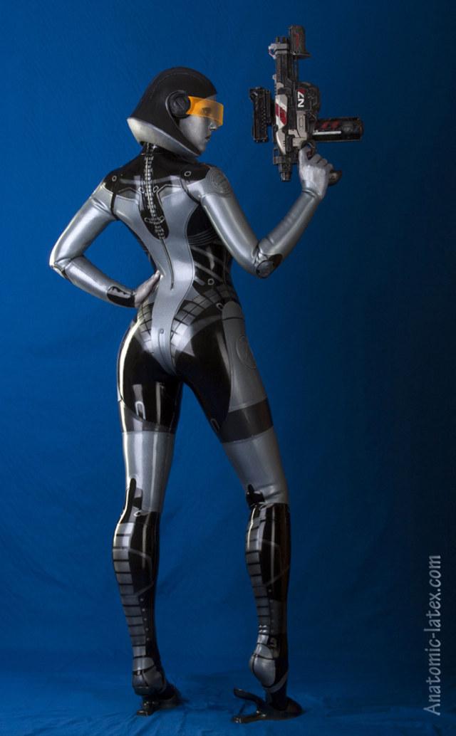 EDI-latex-bodysuit-3
