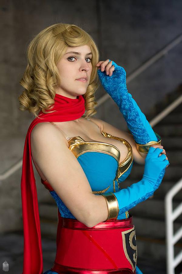 Bombshell Supergirl 4