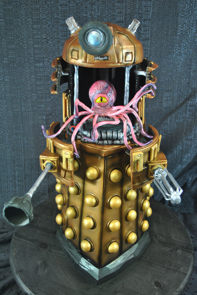 Dalek Cake 1