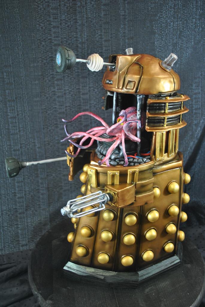 Dalek Cake 2