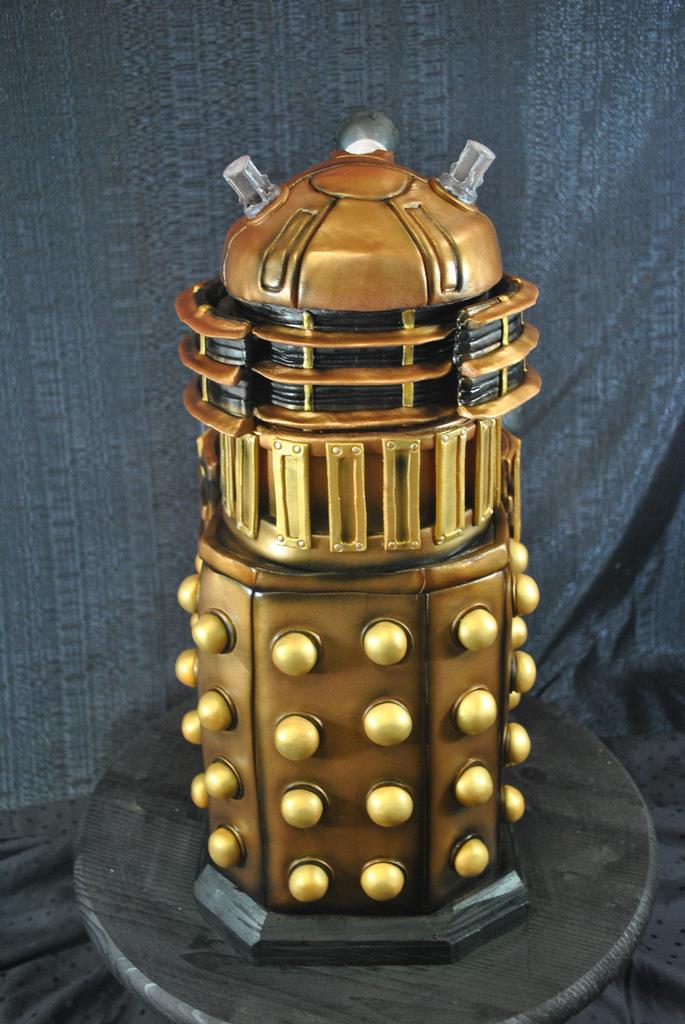 Dalek Cake 4