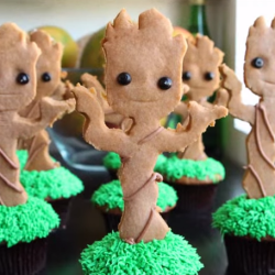 Learn how to make your own Groot cupcakes