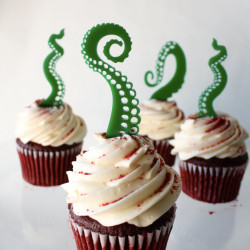 Turn your cupcakes into horror movie hosts