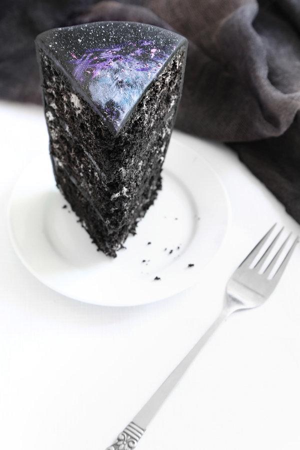 black_velvet_galaxy_cake_3