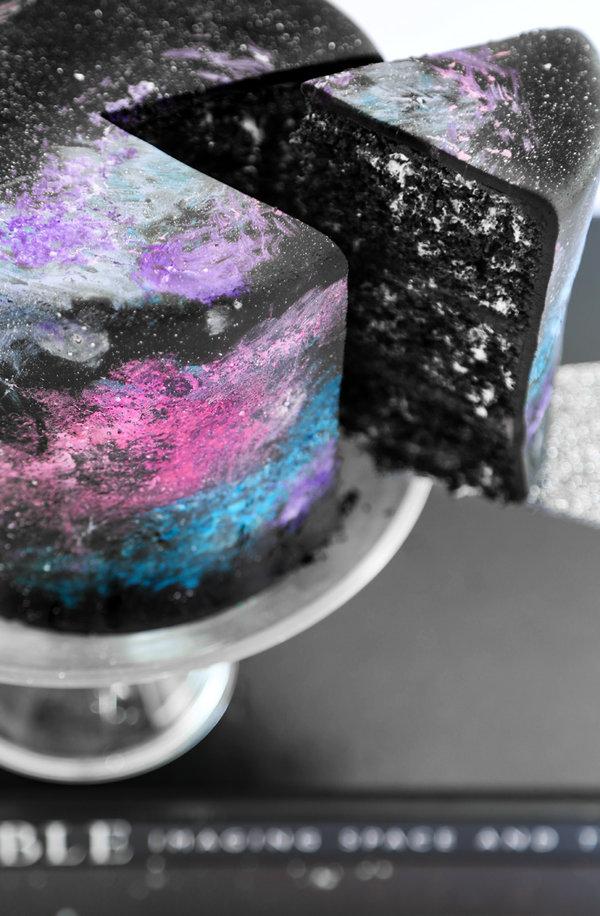 black_velvet_galaxy_cake_2