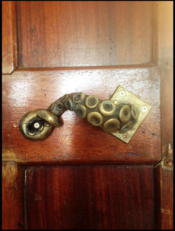 tentacle-door-2