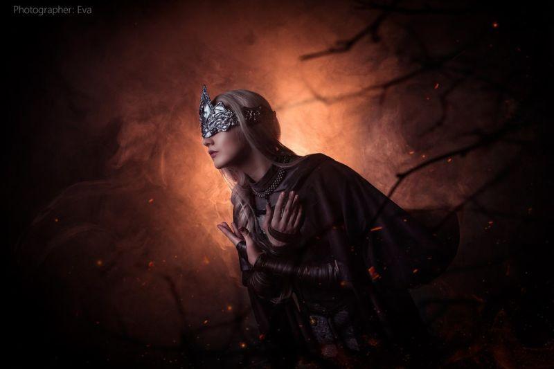 dark-souls-fire-keeper-cosplay-4