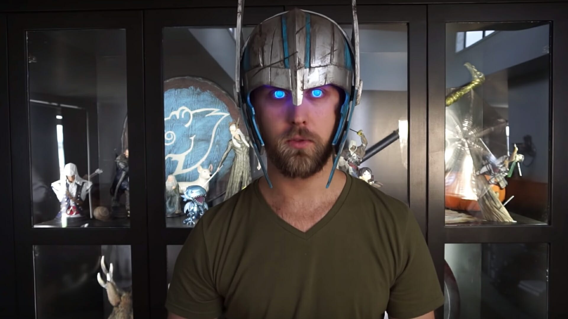 Glowing eyes Thor cosplay